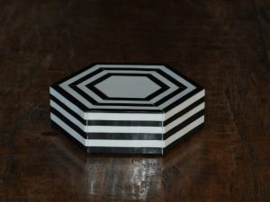 Hexagon Box sm