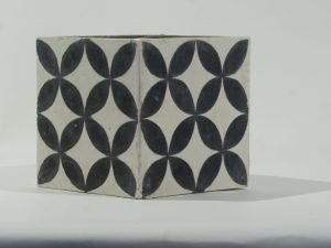Planter Square Tile Black Grey
