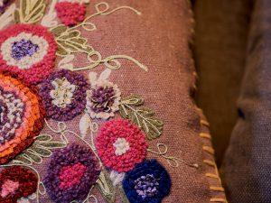 Cushion – EMBROIDERY Aubergine