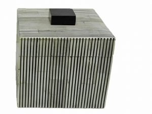 Box Square Greybone stripe BL/WH sm
