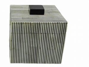 Box Square Greybone stripe BL/WH sm