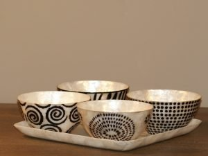 Tray Apero Shell  with 4 bowls black/white